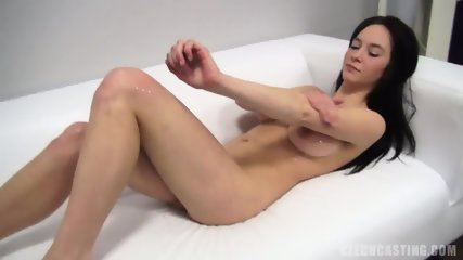 Sara Presents Her Sexy Body - scene 8