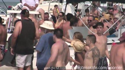 Latina Boat Bash - scene 8