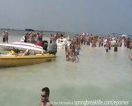 Latina Boat Bash - scene 12