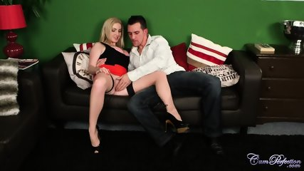 Oral Fantasies With Horny Blonde - scene 2