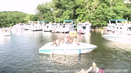 Its A Party On The Water - scene 2