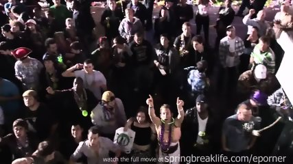 Mardi Gras Partiers - scene 6