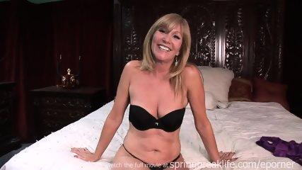 Milf Gets Naked On Her Bed - scene 5