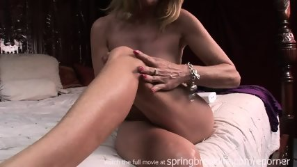 Milf Lotions Up Naked Body - scene 8