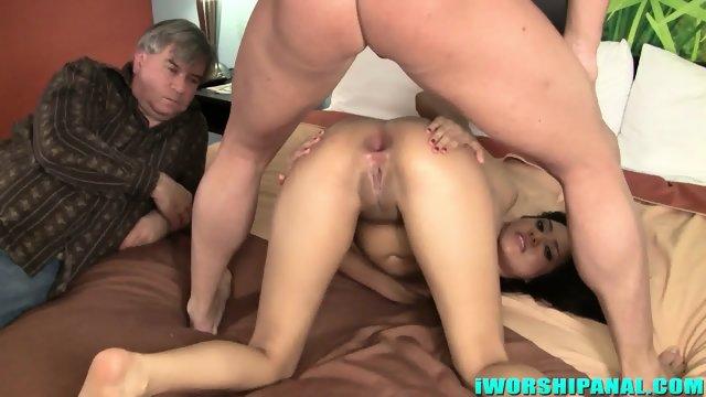 Huge Dose Of Cum In Her Ass