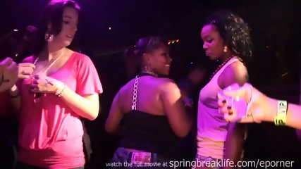 Girls Kissing And Grindin In A Club - scene 1