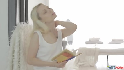 Awesome Sex With Glamorous Blonde - scene 1