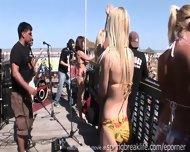 Mtv Beach Party - scene 1