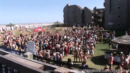 Mtv Beach Party - scene 9
