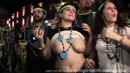 Mardi Gras Flashers - scene 9