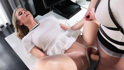 Lesbian Fucking Through Pantyhose