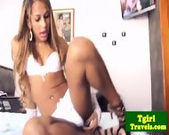 Brazilian Ts Bianca Cordelly Stripping - scene 2