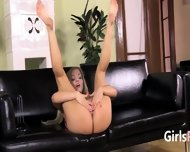 Gaping And Gyno Vibrating Her Sweet Hole - scene 2