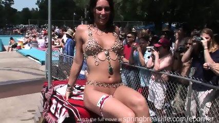 I Love Naked Girls - scene 11