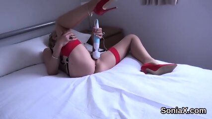Cheating british mature lady sonia flashes her large globes