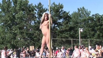 Pole Dancing - scene 8