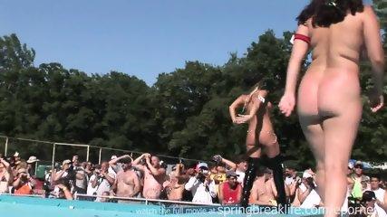Pole Dancing - scene 2