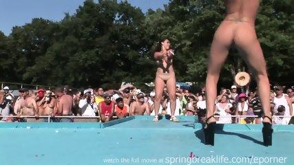 Pole Dancing - scene 4