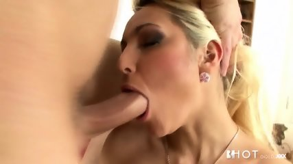 Blonde With Stockings Loves Vulgar Anal Sex - scene 3