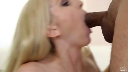 She Loves To Suck A Dick - scene 11