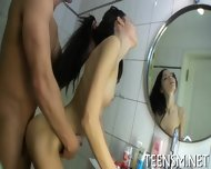 Hardcore Sexplay In A Bathtub - scene 2