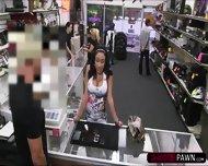 Brunette Big Tits Latina Woman Sells Stolen Phones Gets Fucked - scene 2