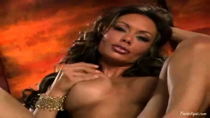 Crissy Moran playing with herself - scene 9