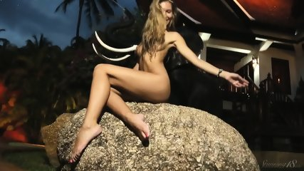 Naked And Wet Blonde Girl - scene 9