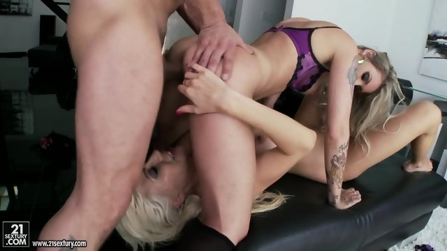 These Blondes Know How to Take Care Of Dick