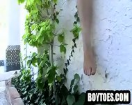 Amateur Hunk Showing His Feet And Jerking Off - scene 3