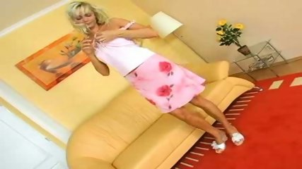 Hot Blonde enjoying some Time alone - scene 1