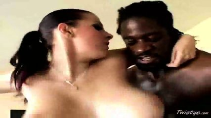 Gianna shakes her Tits - scene 12
