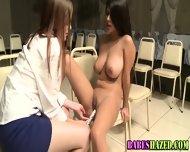 Amateur Teen Rubs Cunt - scene 11