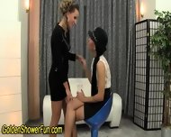Lesbos Finger And Piss - scene 1