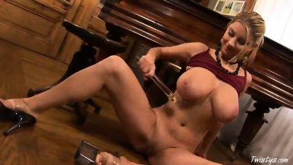 Piano Girl Snow masturbating 5 - scene 11
