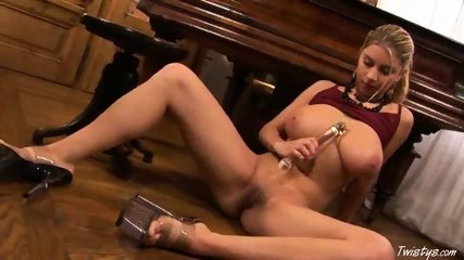 Piano Girl Snow masturbating 5 - scene 12