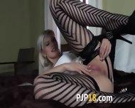 Gyno Toy Inside Of Her Glamorous Vagina - scene 2