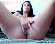 Hot Babe Fingering And Squirting - scene 1