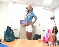 Hot Milf Showing Her Skills - scene 6