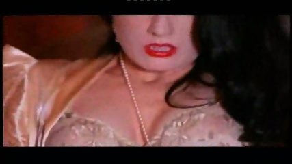 Dita von Teese pleasures herself - scene 8