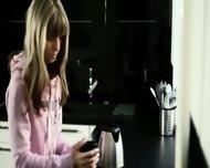 Seductive Blonde With Fluent Fingers - scene 2