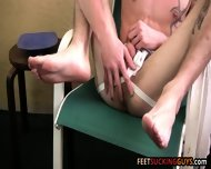 After A Sweaty Workout Jake Massages And Sucks On His Feet - scene 6