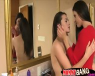 Melanie Raine And India Summer Hot Trio In The Bathroom - scene 2