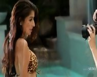 Two Super Sexy Girl2girl In The Pool - scene 2
