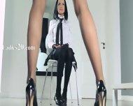 Hot Schoolgirls Posing Herself In Pants - scene 1