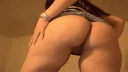 Sexy Redhead on Webcam - scene 3