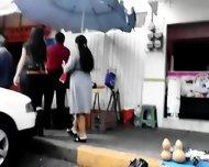 Delgadita Nalgona En Jeans Negros - scene 3