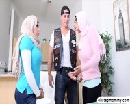 Palestine Mias Hot Threesome Fuck Viral Sex With Julianna - scene 1