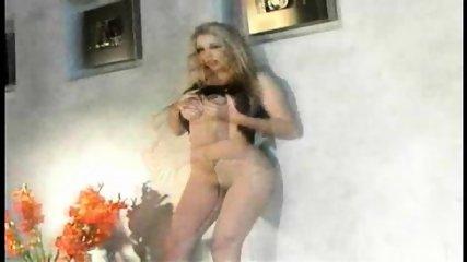 Sexy Jelena Jensen teases - scene 6