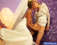 Pussylicking Lesbian Cumcovered At Gloryhole